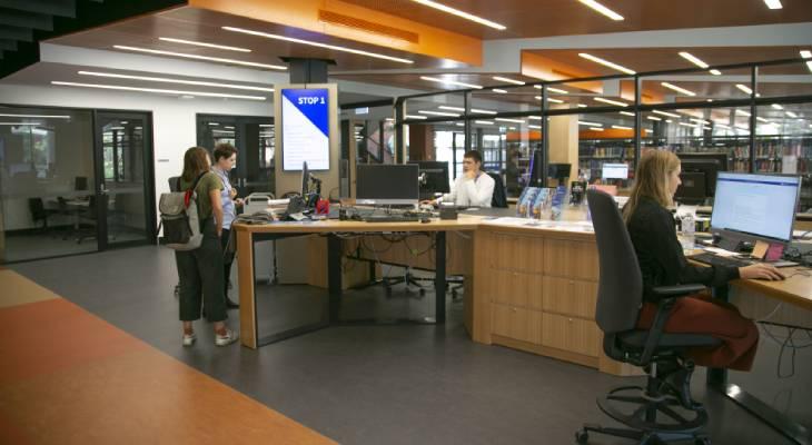 Photo of students at the Southbank Hub